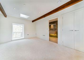 Master Bedroom With Walk In Wardrobe And En Suite Bathroom