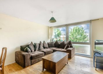 3 bed flat to rent in Bevill Allen Close, Tooting, London SW17
