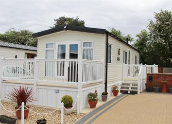 2 bed mobile/park home for sale in Tall Trees Park, Old Mill Lane, Forest Town NG19