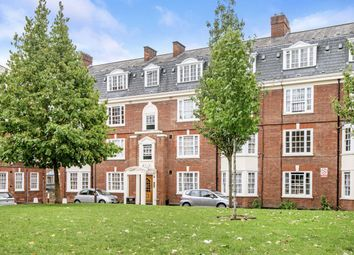 Upper Street, London N1. 3 bed flat