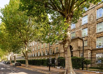 Bromyard Avenue, Acton, London W3. 3 bed flat