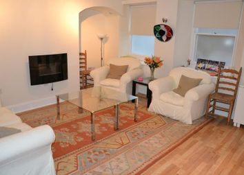 Thumbnail 1 bed flat to rent in Gay Street, Bath