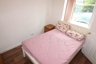 Thumbnail Room to rent in Barnfield Place (House Share), Canary Wharf