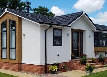 Thumbnail 2 bed lodge for sale in Hogbarn Lane, Harrietsham, Maidstone