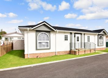 2 bed mobile/park home for sale in Vicarage Lane, Hoo, Rochester ME3