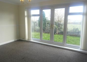 Thumbnail 2 bedroom flat to rent in Grangeside Avenue, Hull