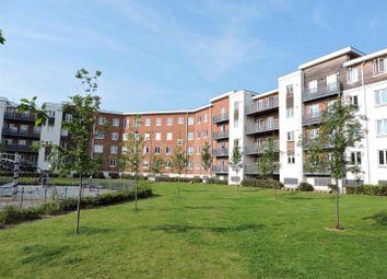 Thumbnail 2 bedroom flat for sale in Kingsquarter, Maidenhead