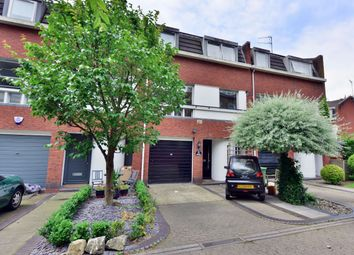 Thumbnail 4 bed flat to rent in Harben Road, London