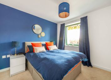 Thumbnail 2 bedroom flat for sale in Bellevue Court, Hounslow