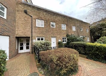 Thumbnail 2 bed flat to rent in Melville Place, Islington, London