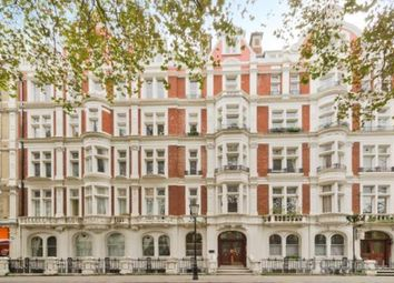 Thumbnail 4 bed flat to rent in Great Russell Street, London