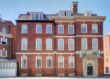 Thumbnail Property to rent in Draycott Place, London
