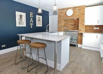 Thumbnail 2 bed flat for sale in Verulam Road, St.Albans