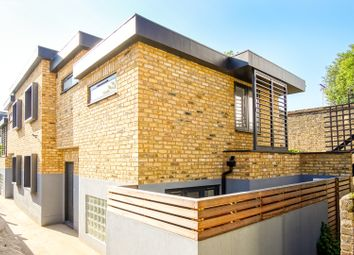 Thumbnail 2 bed mews house for sale in Stoke Newington High Street, London