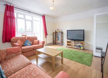 Thumbnail 3 bed flat to rent in Henley Street, London