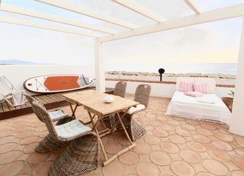 Thumbnail 3 bed villa for sale in Bahia Dorada, Estepona, Málaga, Andalusia, Spain