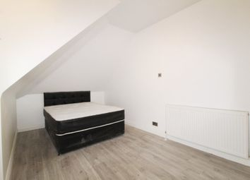 Thumbnail Studio to rent in Golders Way, London