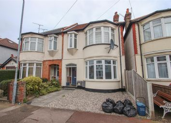2 bed flat for sale in Claremont Road, Westcliff-On-Sea SS0
