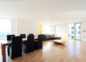 2 bed flat to rent in Millharbour, London E14