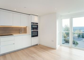 Thumbnail 1 bed flat to rent in King George's Walk, Esher
