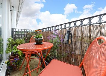 Thumbnail 1 bed flat for sale in Blytheswood Place, London