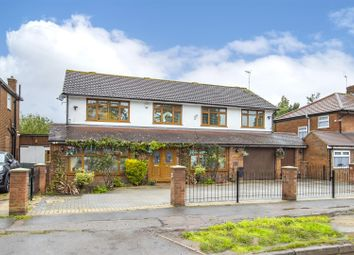 Thumbnail Detached house for sale in Manor Way, Borehamwood