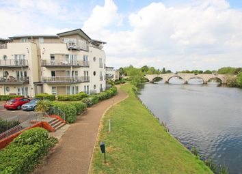 Chertsey House, Bridge Wharf, Chertsey, Surrey KT16. 2 bed flat for sale