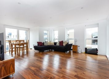 Thumbnail 2 bedroom flat for sale in De Beauvoir Crescent, London