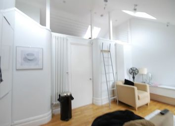 Thumbnail 2 bed flat to rent in Cavendish Parade, Clapham Common South Side, London