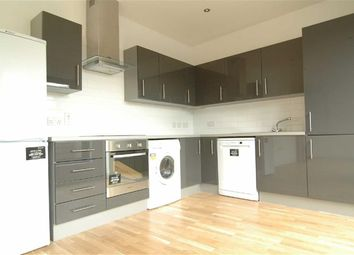 Thumbnail 2 bed flat to rent in Manningtree Street, Aldgate, London