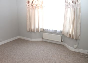 Thumbnail 1 bed flat to rent in Hastings Road, Bounds Green