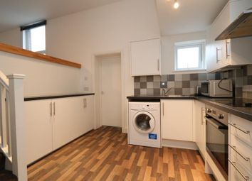 1 bed flat to rent in King Charles Road, Berrylands, Surbiton KT5