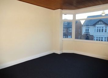 2 bed flat to rent in Park Avenue, Castleford WF10