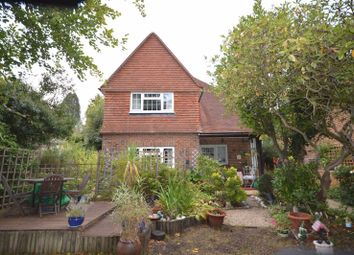 4 bed property for sale in Meadway, Haslemere GU27