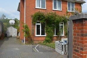 Thumbnail 3 bed detached house to rent in Hounsdown Avenue, Hounsdown, Southampton, Hampshire