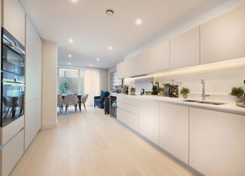 4 bed terraced house for sale in Nunhead Green, London SE15