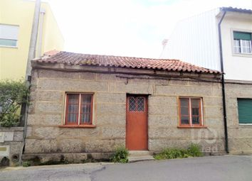 Thumbnail 2 bed detached house for sale in Creixomil, Creixomil, Guimarães