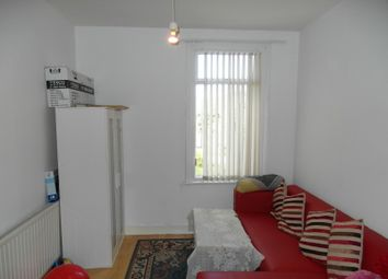 Thumbnail 3 bedroom flat to rent in Woodville Road, London