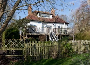 Thumbnail 3 bedroom detached house for sale in Chalmore Gardens, Wallingford