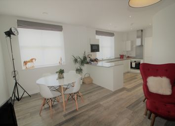 Thumbnail 2 bedroom flat for sale in 71 Great North Road, Hatfield