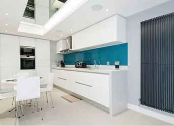Thumbnail 2 bed town house for sale in Chapter Street, Westminster, London