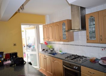 Thumbnail 1 bed flat to rent in Longhill Road, Catford, London