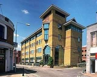Thumbnail Serviced office to let in Siena Court, Maidenhead