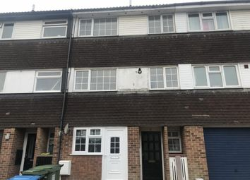 Thumbnail 3 bed maisonette to rent in Grovehill, Hemel Hempstead