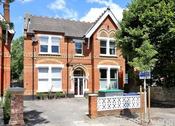 1 bed flat to rent in Mount Park Crescent, Ealing, London W5
