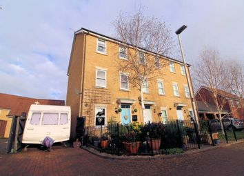 Thumbnail 3 bed town house for sale in Top Fox Way, Redhouse Park, Milton Keynes