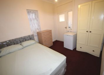 Thumbnail Studio to rent in Holmewood Road, South Norwood