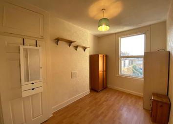 Thumbnail 2 bed flat to rent in Grove Green Road, London, Leyton