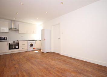 Thumbnail 1 bed flat to rent in Park Royal Road, North Acton