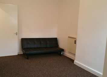Thumbnail 1 bed flat to rent in Woodhill, Leicester